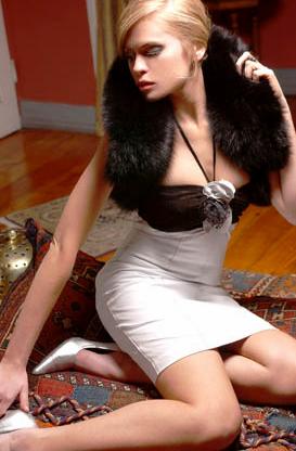 Comprar Vestido strapless anudado en el cuello combinado con nappa blanco y gamuza negra