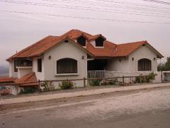 Casa Familia Tarky