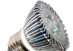 Dicroica Led, 6 watts, Luz Cálida 38°, E27, 400 Lúm.
