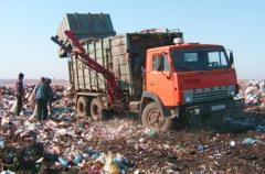 Salida de desechos de construcción no normativos por su dimensión en los containers con la capacidad de 15 metros cúbicos